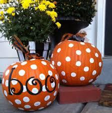 a cute idea for decorating a pumpkin love the polka dots so easy
