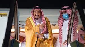 """الملك سلمان يصل """"نيوم"""" لقضاء فترة راحة واستجمام (صور وفيديو)"""