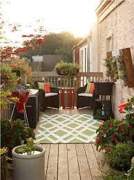 Small Patio Decorating How To Decorate A Small Patio On A Budget