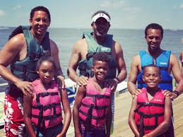 """Ivan J. Bates on Twitter: """"Family time is priceless. #vacation… """""""