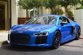 black audi r8 v10. but the maisto audi had silver rims so i spray painted them black and this is result r8 v10