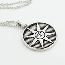 dark souls metal solaire of astora sun symbol necklace