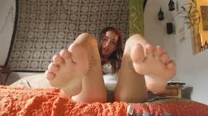 Footjob in footless knees highs on webcam Shameless