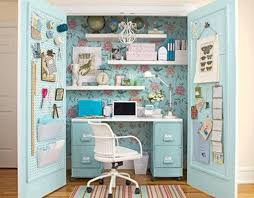 office in a closet design. Office Room: Stylish White Home In A Closet - Wall System Design