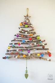DIY Hanging Stick Christmas Tree...these are the BEST Homemade Christmas  Decorations &