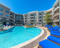 Oak Lawn Dallas Tx Apartments For Rent Axis At Wycliff