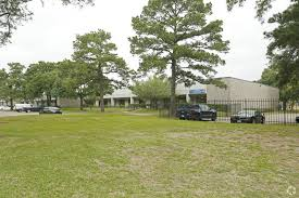 13 525 sf of industrial space available in houston tx