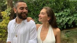 Kadir Doğulu, sağlık sorunlarıyla boğuşan eşi Neslihan Atagül'e gözü gibi  bakıyor - Haberler Magazin