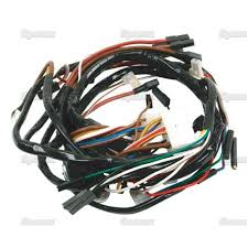 com ford tractor main wiring harness volt cnnnr com ford tractor main wiring harness 12 volt c5nn14n104r c9nn14a103b 2000 3000 4000 other products everything else
