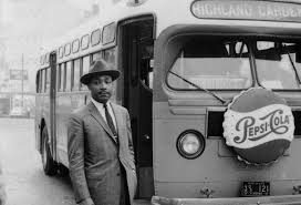 civil rights movement image essay vinfeezle history  dr martin luther king jr 1956 after the end of the bus boycotts