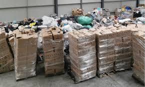 """Cadoul"""" Marii Britanii pentru noi: Containerele au ajuns azi în Portul Constanţa şi conţinutul figura drept """"obiecte second-hand"""""""