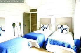 how to arrange 2 twin beds in small room two beds in one room 3 twin