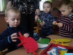 Игры для детей группы раннего возраста Воспитателям детских садов  Игры для детей группы раннего возраста