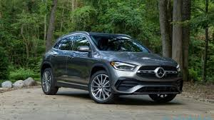 The rear seatbacks fold down in a 40/20/40 split, letting you to expand the cargo capacity of your gla in a variety of configurations, up to 50.5 cu ft. 2021 Mercedes Benz Gla 250 4matic Review Embracing The Suv Slashgear