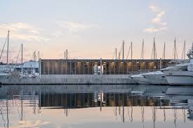 Design And Construction Of Ports And Marine Structures Port Architecture And Design Archdaily