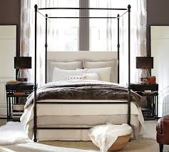 Antonia Canopy Bed