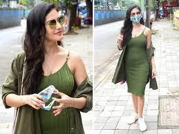 Рет қаралды 20 млн7 жыл бұрын. Amyra Dastur Green Dress Lifestyle Amyra Dastur Looks Bold And Pretty In Green Dress Navbharat Times Photogallery