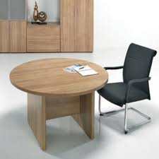 e space round meeting table