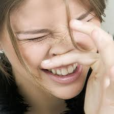 itchy eyes nose throat and skin causes