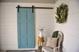 Ideas To Have A Classic Barn Door In Your Interior Designs ...