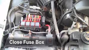 replace a fuse 1992 2011 mercury grand marquis 1999 mercury 6 replace cover secure the cover and test component