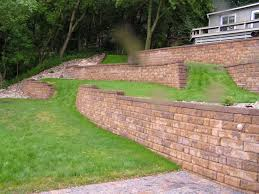 block retaining wall designed and installed by exterior designs of alexandria