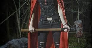 I love me a badass Red Riding Hood. | Geek at Repinned.net