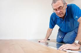 Die größte plattform für produkte, materialien & konzepte für designer & architekten. Pvc Planken Verlegen Anleitung In 5 Schritten
