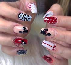 Mickey Mouse On Nail - Novocom.top