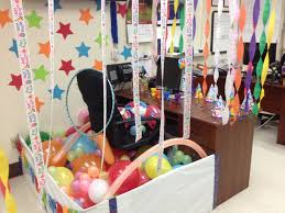 Cubicle Decorations For Birthday 17 Best Images About Birthday Cubicle Decorations On Pinterest