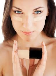 it is the base for the rest of the makeup it blendeshes into the skin giving natural and enhanced appearance