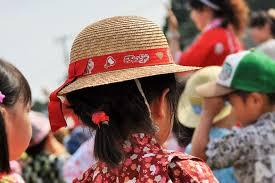 子供の浴衣に合う髪型の簡単なおだんごと編み込みミディアム編
