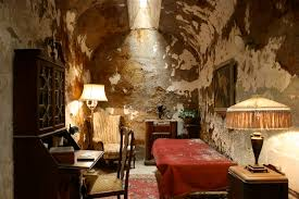 user seattle al capone outline simple english the al capone s cell at the eastern state penitentiary