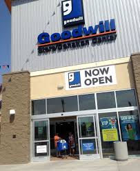 grand opening of the silverado ranch goodwill