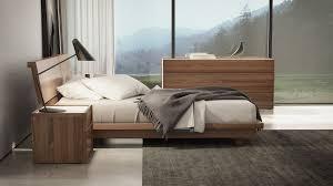 Light Walnut Bedroom Furniture Platform Bedroom Set Modern Modrest Liza Modern Lacquer Platform