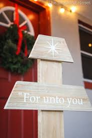 outdoor pallet christmas tree. diy rustic pallet christmas tree | a do-able step-by-step tutorial outdoor