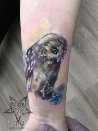 женская маленькая татуировка сова на руке сделать тату у мастера