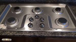 how to clean snless steel stove top