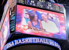 this w s post kiss cam rejection move is insane leslie e kossoff pool getty images