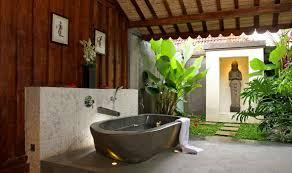 luxury bathrooms top 20 stunning outdoor bathrooms to see more luxury bathroom ideas visit