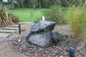 trickle water feature for stone collection