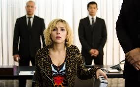 Lucy – La nostra recensione- Film.it
