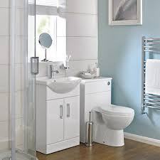 If you're in the process of refurbishing or remodelling your home and are  contemplating putting in an ensuite bathroom, here's a quick guide to fill  you in ...
