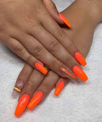 Jasně Oranžová Manikúra 32 Fotografií Oranžový Design Nehtů