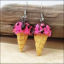 strawberry chocolate chips ice cream