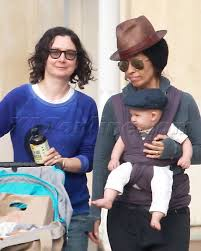 Sara Gilbert And Linda Perry Take A Stroll WIth Son Rhodes - Sara Gilbert  Photos - X17 Online