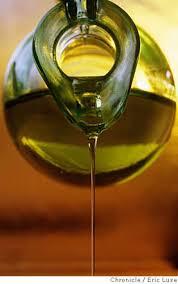 food09 c 13aug01 mg el olive oil in the studio