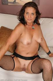 Adult babe milf brunette view