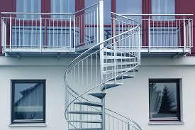 Steinteppich verlegen, balkon , terrasse, treppe. Metallbau Balkone Treppen Tore Zaune Metalldacher R M Metallbau