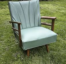 spray painting furniture vinyl chair, diy, painted furniture, painting,  repurposing upcycling